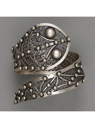 Fashionable Classic Charming Artistic Delicate Alloy With Minimalist Women's Rings
